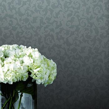 这款欧式毛莨卷叶墙纸是新古典主义风格的经典之作.微风从.